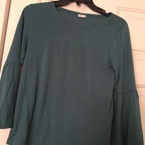 Green/blue long sleeve shirt